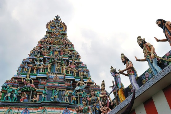 SINGAPORE-Sri-Vadapathirm-Kallamman-temple-along-Serangoon-road