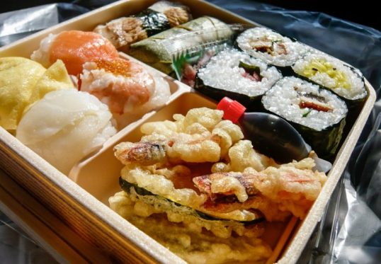 ekiben-bento-box-train-e1485856220693