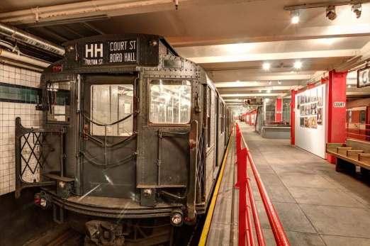 new-york-Transit-Museum-Platform.