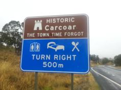 Turn here for Carcoar