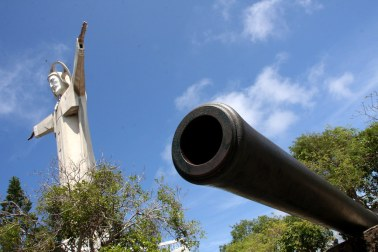 Cannon near the Giant Jesus